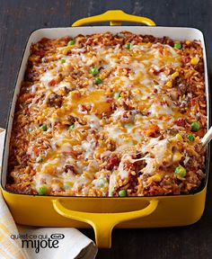 Mexican Beef and Rice Casserole - Make ahead meals - Hamburger Rezepte Mexican Casserole, Casserole Recipes, Meat Recipes, Mexican Food Recipes, Cooking Recipes, Healthy Recipes, Hamburger Casserole, What's Cooking, Cooking Courses