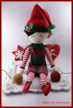 Poupée fait main Elfe lutin de Noël. Ce testé et parfait pour