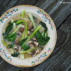 Vegan Miso Soup with Boy Choy and Mushrooms | Living Food Love soup  #bok choy  #mushroom