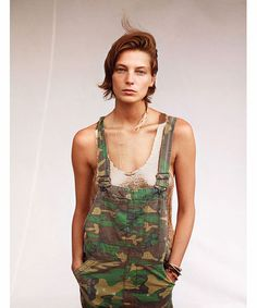 Tomboy Tuesday with Daria Werbowy - because frocks and frills don't make the woman. Fashion Me Now, Camo Fashion, Military Fashion, Look Fashion, Womens Fashion, Military Style, Military Green, Military Girl, Daria Werbowy