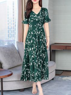 V-Neck Abstract Print Printed Maxi Dress Maxi Dress With Sleeves, Short Sleeve Dresses, Cheap Maxi Dresses, Dress Silhouette, Fashion Prints, Dresses Online, Fashion News, Bell Sleeves, Floral Prints
