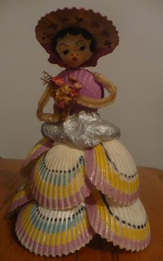 Vtg Antique Handmade Seashell Art Deco Lady Dress & Hat