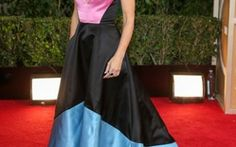 Sandra Bullock pulled off this year's popular color-blocking trend.