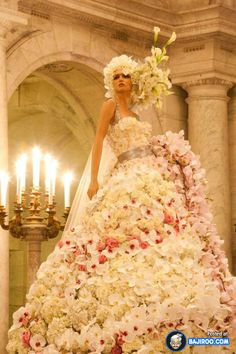 amazing cool awesome dress made with real flowers costumes designs style trendy pics images photos pictures unique designs beautful World Wo...