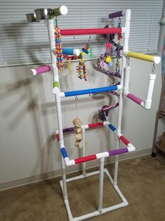 Homemade Bird Toys, Diy Bird Toys, Homemade Baby, Cockatoo Toys, Conure Cage, Bird Play Gym, Parrot Play Stand, Diy Bird Cage, Bird Cages