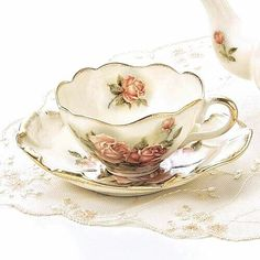 ♥ so delicate . antique English bone china tea cup & saucer set by tracie ♥ so delicate . antique English bone china tea cup & saucer set by tracie Tea Cup Set, My Cup Of Tea, Cup And Saucer Set, Tea Cup Saucer, Vintage Dishes, Vintage China, Vintage Teacups, Antique Tea Cups, Shabby Vintage