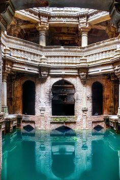 water well, adalaj, india | travel destinations in south asia #wanderlust