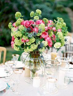 Blumen: Rosen und Frauenmantel