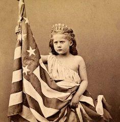 girlwflag.jpg 428 ×436 pixel