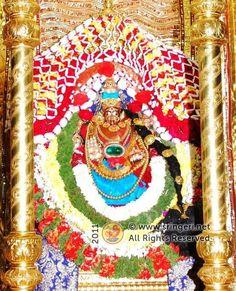 Goddess-sharada-on-the-golden-ratha-http://www.sringeri.net/2011/10/14/news/navaratri-celebrations-at-sringeri.htm