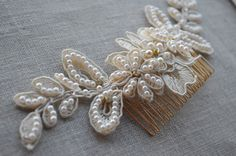 Ivory Lace Hair Comb - Bridal Hair Accessories - Lace Headpiece - Wedding Comb - Vintage Bride - Pearl Hair Comb -