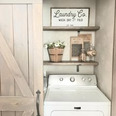 19 Most Beautiful Vintage Laundry Room Decor Ideas (eye-catching looks) Laundry Room Quotes, Laundry Room Wall Decor, Laundry Room Signs, Laundry Room Organization, Room Decor, Corner Storage, Farmhouse Laundry Room, Vintage Laundry, Kitchen Corner