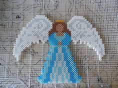 Angel in perler beads Melty Bead Patterns, Pearler Bead Patterns, Seed Bead Patterns, Perler Patterns, Beading Patterns, Hama Beads Design, Diy Perler Beads, Perler Bead Art, Christmas Perler Beads