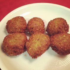 Receta de Falafel casero y delicioso - http://www.mytaste.es/r/receta-de-falafel-casero-y-delicioso-80830737.html