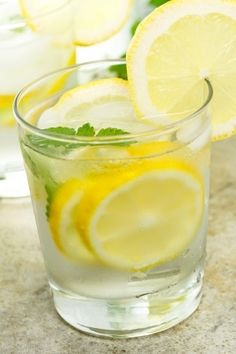 Make a gentle detox drink with just a few ingredients!
