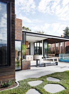 Malvern by Robson Rak Architects (3)
