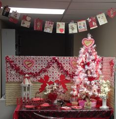 Holiday Cubicle Decor Valentines Day Holiday Spirit Christmas