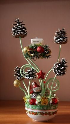 30 funny pine cones DIY to try this Christmas – HomelySmart – Christmas Crafts Christmas Flowers, Christmas Art, Simple Christmas, Christmas Wreaths, Christmas Ornaments, Christmas Ideas, Homemade Christmas Decorations, Christmas Gift Baskets, Homemade Christmas Gifts