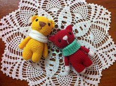 Вязаные игрушки амигуруми крючком: схемы вязания котика, мишки и зайки. Автор - Ирина Прилукова.