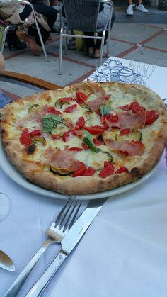 Capricci - Positano, Salerno, Italy. Pizza Positano