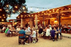 Food truck eats are a must when you visit Austin, Texas. Whether you're looking for a family-friendly food truck park or tasty late night bites on the patio at a nearby bar, here are 25 to add to your Austin dining itinerary. Austin Texas, Visit Austin, Austin Downtown, Texas Tour, Texas Ranch, The Neighbor, Outdoor Restaurant, Restaurant Ideas, Farm Restaurant