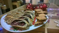 Karácsonyi bejgli | Klikk a képre a receptért! Pancakes, French Toast, Food And Drink, Breakfast, Life, Pancake, Morning Breakfast, Crepes