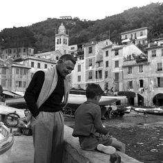 Clark Gable in Portofino, Italy Old Hollywood Glamour, Vintage Hollywood, Hollywood Stars, Classic Hollywood, Best Actor Oscar, Portofino Italy, Movie Magazine, Carole Lombard, Clark Gable