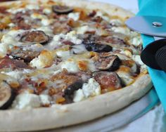 Fig, Caramelized Onion, Prosciutto & Goat Cheese Pizza Recipe