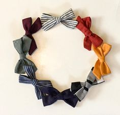 These hairbows and headbands are so cute and will be the perfect accessory to any outfit. I call this style the medium knot bow. These bows are so versatile and will look great on babies and young girls! They are the perfect medium size, not too large or too small. I can make them with an alligator clip or attach it to a very soft and stretchy nylon headband. Measurements: Approximately 4x2 -Color gradient may vary depending on computer   Pricing: Individual- $3 for clips and $3.50 for…