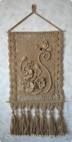 Macrame from Svetlana Yamolkina Handmade Crafts, Diy And Crafts, Arts And Crafts, Burlap Crafts, Yarn Crafts, Free Macrame Patterns, Bobbin Lacemaking, Micro Macramé, Macrame Plant Hangers