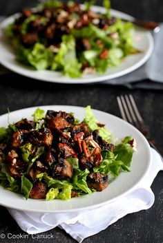 Roasted Mushroom & Romaine Salad Recipe {Vegan}   cookincanuck.com #vegetarian #vegan #glutenfree