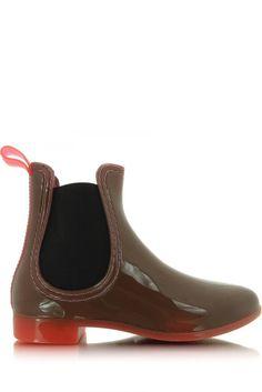 W taką pogodę zdecydowanie polecamy :)  #kalosze #mokado #moda #style #trendy #fashion https://www.mokado.pl/Kalosze-Model-KBPT28-Coral-p18559