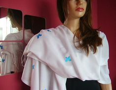 Pashmina White With Blue Butterflies scarf.