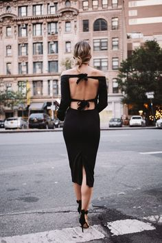 6852a1efa4 What Does Vogue Really Think About Bloggers  Vestidos Pretos