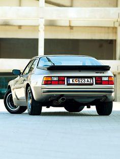 Porsche 944 http://www.autorevue.at/zeitreise/zeitmaschinen/oldtimer-porsche-944-1981-test.html