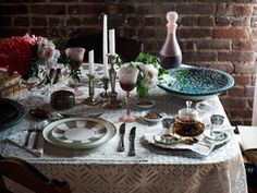 Padma Lakshmi dinner table from House Beautiful. (Photo: Ditte Isager)