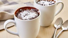 A chocolaty dessert for two that's ready in just 10 minutes, our Devil's Food Cupcakes for Two is made in the microwave. Dessert In A Mug, Dessert Cups, Dessert For Dinner, Nutella Brownies, Cupcakes, Cupcake Cakes, Scentsy, Fudge, Zucchini Cordon Bleu