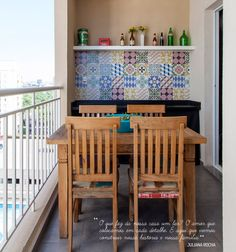 Open house - Juliana Rocha. Veja: https://casadevalentina.com.br/blog/detalhes/open-house--juliana-rocha-2832 #decor #decoracao #interior #design #casa #home #house #idea #ideia #detalhes #details #openhouse #style #estilo #casadevalentina #balcony #varanda
