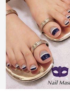 Pedicure Essentials and Designs Pretty Toe Nails, Cute Toe Nails, Toenail Art Designs, Toe Nail Designs, French Pedicure Designs, Toe Nail Color, Toe Nail Art, Nail Colors, Fabulous Nails