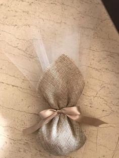 Wedding Gift Baskets, Wedding Gift Boxes, Wedding Candy, Wedding Gifts, Inexpensive Wedding Invitations, Glitter Wedding Invitations, Wedding Confetti, Handmade Wedding, Diy Wedding