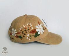 59399c43b5ad4 Boné de beisebol bordado mão da flor da margarida. Humor natural e orgânico  para o