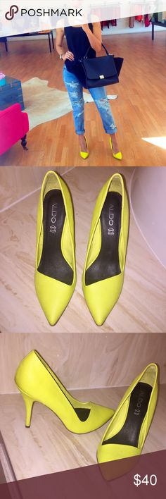 bab0289d588 Featuring a pointed toe and a stiletto heel. Worn once