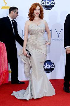 http://modafamosos.about.com/od/alfombraroja/ss/Alfombra-Roja-De-Los-Premios-Emmy-2012-Mejor-Y-Peor-Vestidas-Moda-Otono-Invierno_4.htm