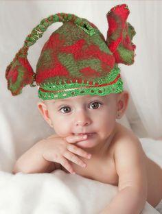 Gorritos en fieltro artesanal con detalles y terminaciones en crochet, llevan forro por dentro. Materiales ecológicos fibras naturales (merino). Diseños únicos hecho con amor!