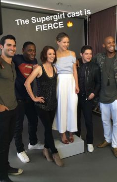Supergirl cast SDCC 2016