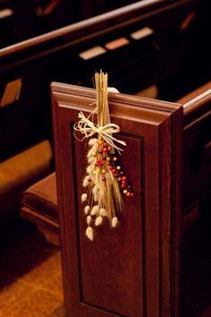 Kirchendekoration mit Naturprodukten-Ideen für eine Hochzeit im Herbst