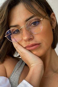Glasses Frames Trendy, Barcelona Fashion, Fashion Brand, Womens Fashion, New Glasses, Womens Glasses, Occasion Wear, Eyewear, 8 Hours