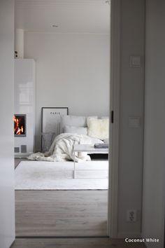 Makuuhuoneesta olohuoneeseen ja hetken hengähdys   Coconut White