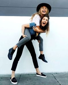 18 ideas for photography ideas for friends photo shoots bff – girl photoshoot ideas Bff Pics, Photos Bff, Photos Of Girls, Love Pics, Sister Pics, Sister Pictures, Shooting Photo Amis, Best Friend Fotos, Friend Pictures