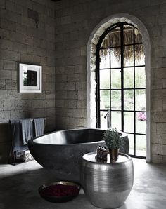 Immeasurable Desire To Jump Into Sharyn Cairns' Shots Bathroom Interior Design, Home Interior, Interior And Exterior, Beautiful Villas, Brick And Stone, Relax, Home And Deco, Bath Tub, Bathroom Bath